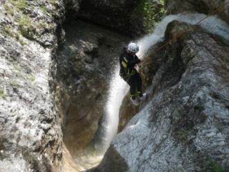 Canyoning nel comune di Claut nella forra del Ciolesan